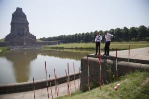 Ralf Witthaus - Rasenprojekt am Völkerschlaachtdenkmal - Gott mit uns