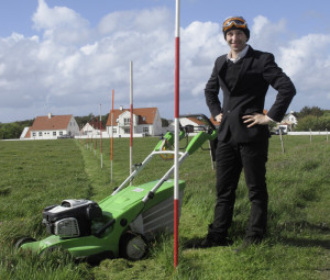 Ralf_Witthaus_LAND-SHAPE_Festival_Hanstholm_LAWNMOWER_DRAWING_IMG_7732-web